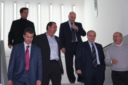Domingo Malo con representantes de la Sociedad Deportiva Huesca, Real Zaragoza y Heraldo de Aragón.
