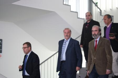 """Tomás Guasch, Vicente del Bosque, Fernando Elboj. Javier Matañanas y José Antonio Martin """"Petón""""."""