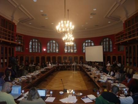 Zaragoza. Paraninfo. Biblioteca. Reunión del equipo de Gobierno de la Universidad.