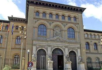 Zaragoza. Fachada del edificio del Paraninfo de la Universidad de Zaragoza.