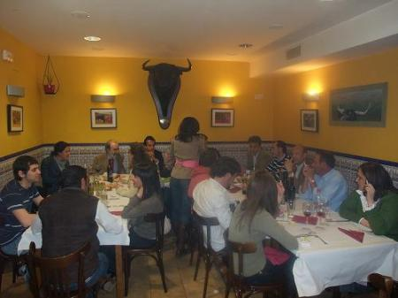 Huesca. Peña Taurina. Vista general de la cena.