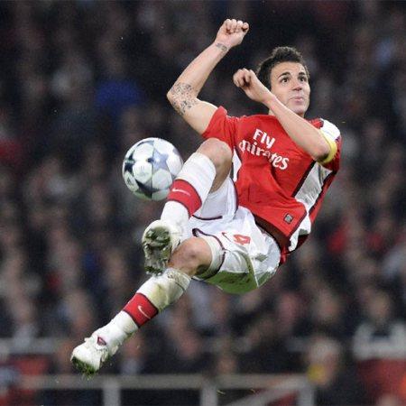Partido de fútbol: Arsenal-Villareal.