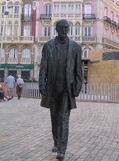 Estatua de Nicolás Salmerón en el centro de Almería
