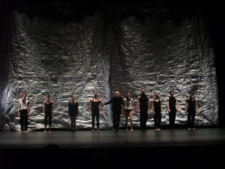 Companya de Dansa Gelabert Azzopardi. Final del espectáculo. Huesca. 03.04.09