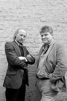 James A. Moore y Adrian Desmond.