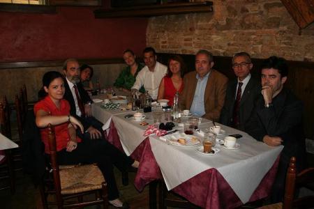 De izquierda a derecha: Lorena, Fernando, Amalia, Marta, Juanjo , Elisabeth, Germán, José Manuel y Luis.
