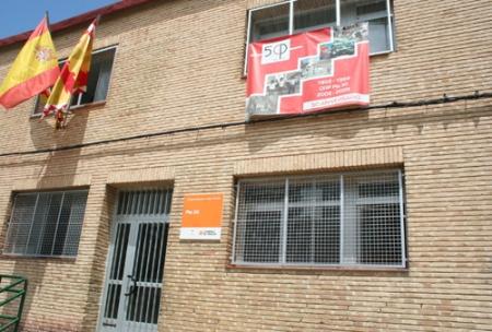 Huesca. Colegio Público Pío XII. Fachada principal.