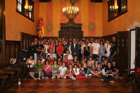 Huesca. Ayuntamiento. Salón del Justicia. Recepción grupos Festival Castillo de Montearagón.
