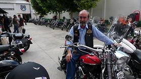 Entre Harley Davidson en el Jai Alai de la Peña Alegría Laurentina.