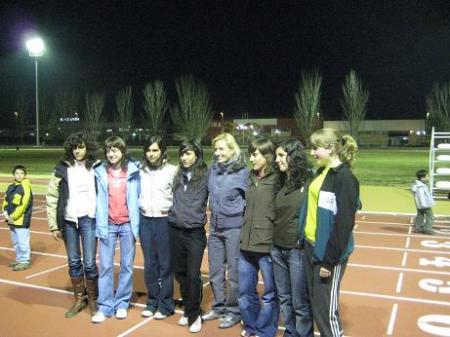 Marta Domínguez con atletas del Zoiti Atletismo.